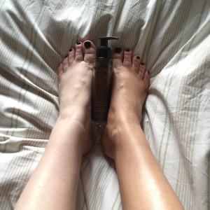 caudalie divine legs misses bond