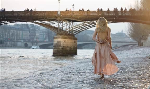 Misses bond CHLOE Love Story paris